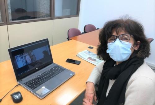 """Isabel Tábara, monitora als tallers d'activació mental i emocional per a la gent gran a la Casa del Mar: """"Hem quedat físicament per fer un cafè després de tanta reunió virtual"""""""